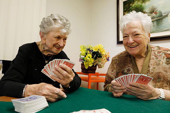 A Fast Friendship Is the Winning Hand