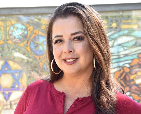 Need Help Choosing a Medicare Advantage Plan? Meet Maria Carreon
